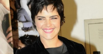 """7.out.2010 - Ana Paula Arósio na pré-estreia do filme """"Como Esquecer"""" em São Paulo (Foto: AgNews)"""