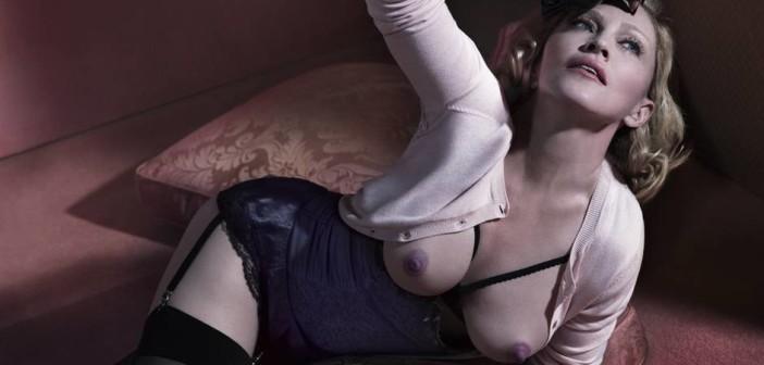 """Madonna faz topless na edição de dezembro de 2014 da """"INTERVIEW"""""""