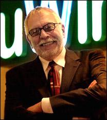 Nolan K. Bushnell, engenheiro eletrônico e empreendedor, fundou a Atari e a rede Chuck E. Cheese's Pizza-Time (1971)