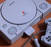 Sony PlayStation chega ao Japão para tirar a supremacia da Nintendo