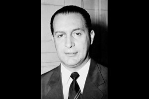 Dos seus dezesseis anos de vida parlamentar, Pascoal Ranieri Mazzilli passou a metade como presidente da Câmara dos Deputados e, nesta condição, chegou a assumir por quatro vezes, interinamente, a presidência da República