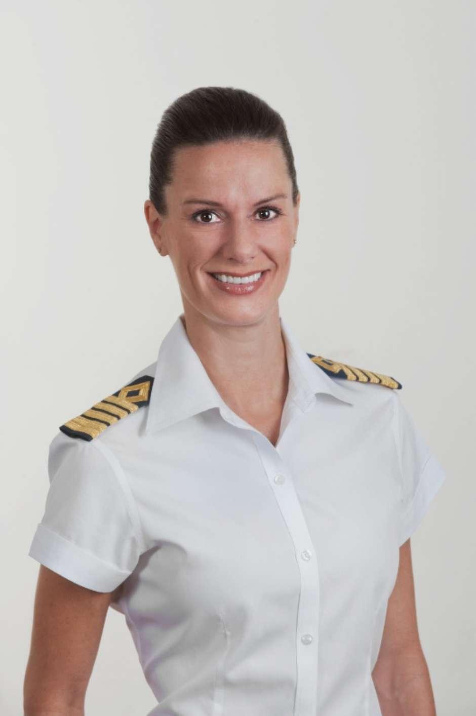 A primeira capitã norte-americana de um cruzeiro. (Foto: Celebrity Cruises / Celebrity Cruises/Divulgação)