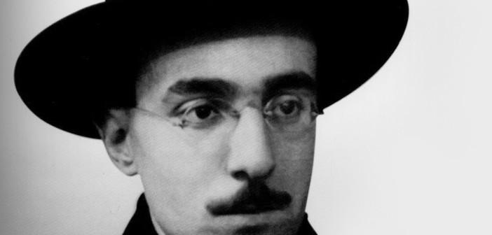 Fernando Pessoa, já se desdobrou em três outros: Ricardo Reis, Alberto Caeiro e Álvaro de Campos.