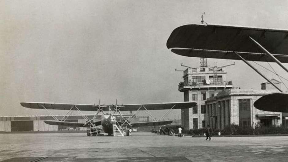 A primeira torre de controle para aviões