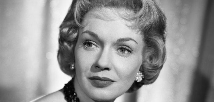 Gloria Henry, atriz que foi pin-up nos anos 1940 e se tornou uma mãe televisiva famosa nos anos 1960