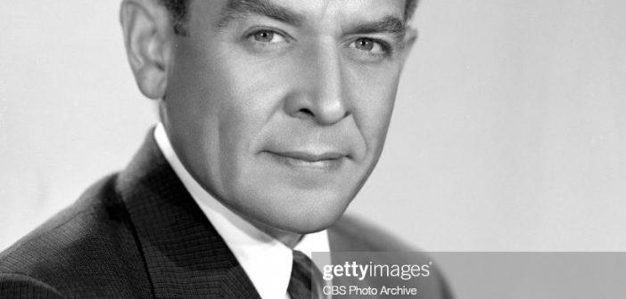 Charles Collingwood, se juntou à equipe de reportagem da CBS de Edward R. Murrow em Londres, onde suas atribuições incluíram as invasões aliadas do Norte da África e da Europa