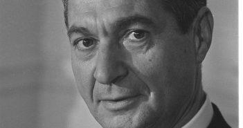 Sol Linowitz; Enviado em transferência do Canal do Panamá. (Crédito: WNYC archives)