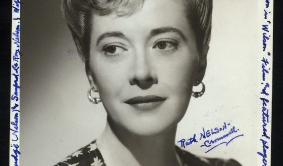Ruth Nelson, foi uma atriz do lendário Group Theatre, produzindo muitos atores, diretores e professores de atuação, incluindo Lee J. Cobb, Morris Carnovsky, John Garfield, Elia Kazan, Harold Clurman, Stella Adler e Lee Strasburg